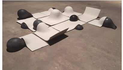 Matilde Benmayor Ouer delimited spaces to play, 2018. Ceramic and concrete. 59 x 39.37 inches.
